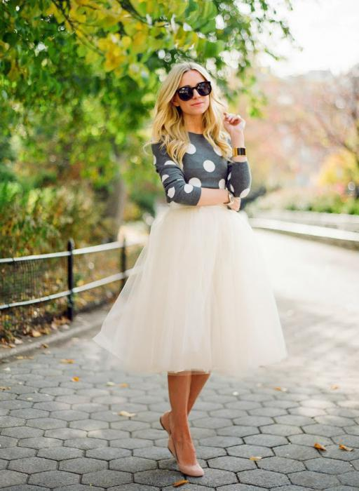 with what to wear a magnificent midi skirt